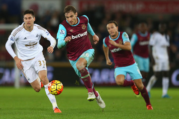 Nikica Jelavic Swansea City v West Ham United - Premier League