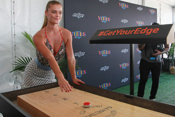 Nina Agdal Model Nina Agdal Teams Up With Edge Shave Gel at the 2017 Sports Illustrated Swimsuit Vibes Festival in Houston