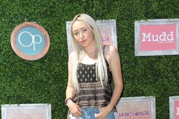 Noah Cyrus The Music Lounge, Presented By Mudd & Op