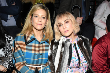 Noomi Rapace Louis Vuitton : Front Row - Paris Fashion Week Womenswear Fall/Winter 2019/2020