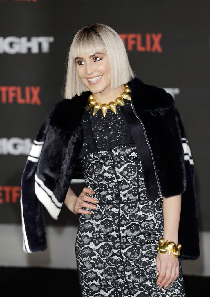 http://www1.pictures.zimbio.com/gi/Noomi+Rapace+Bright+European+Premiere+Red+wofyaCGxVW4x.jpg