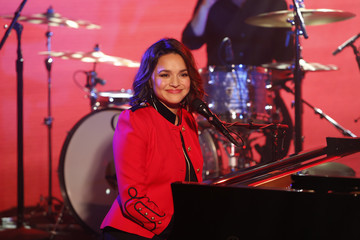 "Norah Jones ABC's ""Jimmy Kimmel Live"" - Season 15"