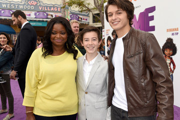 "Octavia Spencer Premiere Of Twentieth Century Fox And Dreamworks Animation's ""HOME"" - Red Carpet"