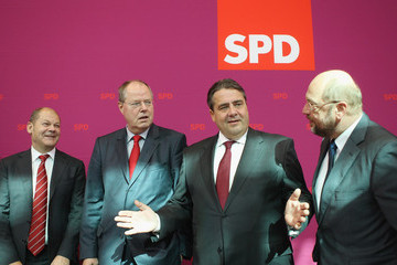 Olaf Schulz SPD Governing Board Agrees On Steinbrueck As Chancellor Candidate