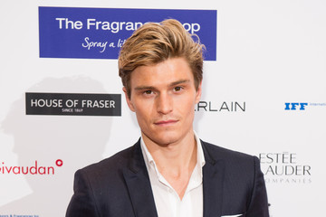 Oliver Cheshire The Fragrance Foundation Awards - Red Carpet Arrivals