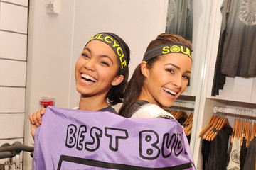 """Olivia Culpo Logan West SoulCycle's """"Ride With Soul"""" Best Buddies Benefit"""