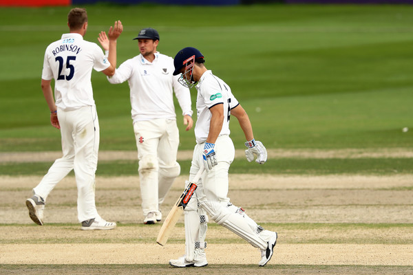 Sussex v Warwickshire - Specsavers County Championship Division Two