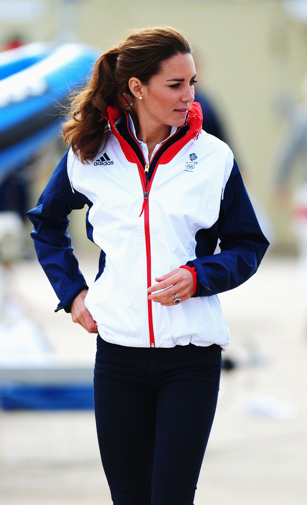 Kate Middleton Photos Photos - Olympics Day 10 - Sailing ...