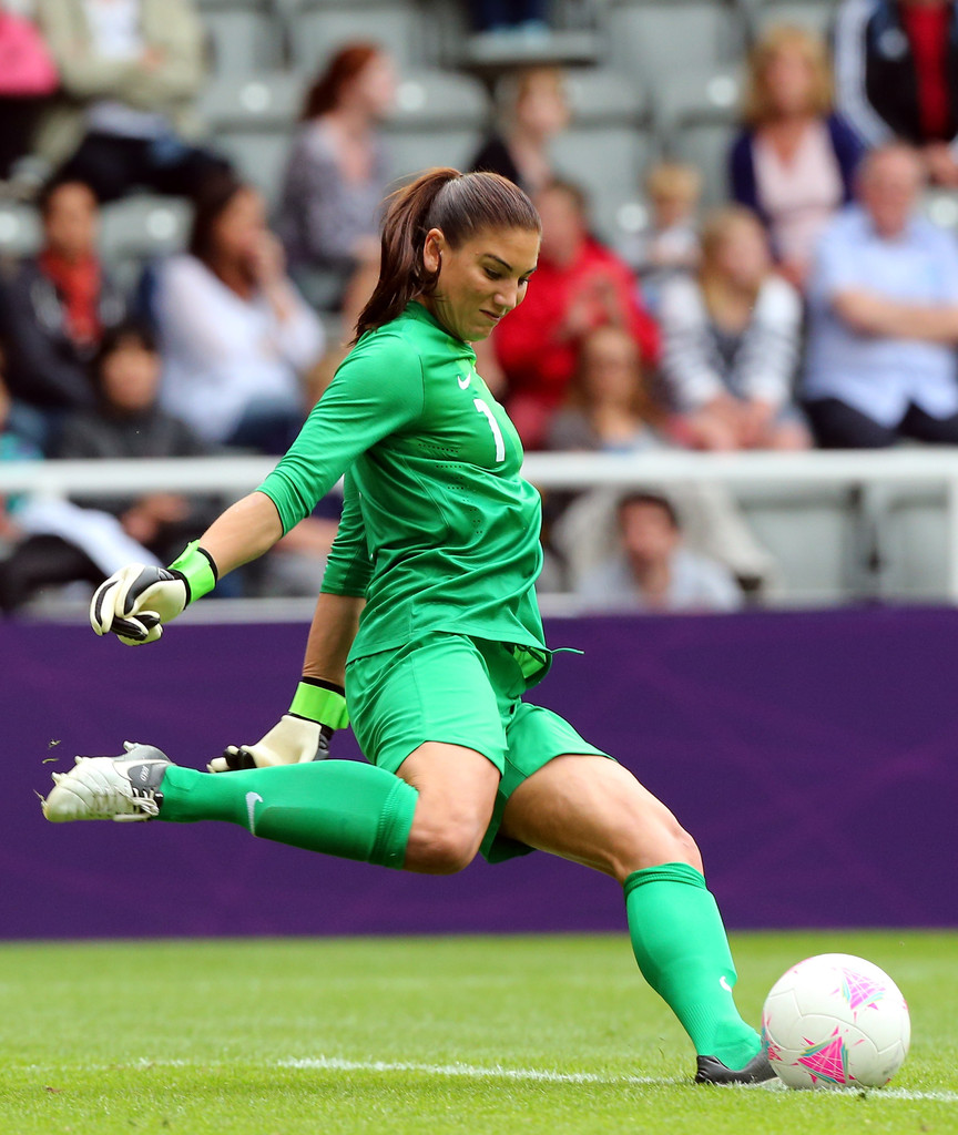 Hope Solo Photos Photos Olympics Day 7 Women S Football Q F Match 20 Usa V New Zealand