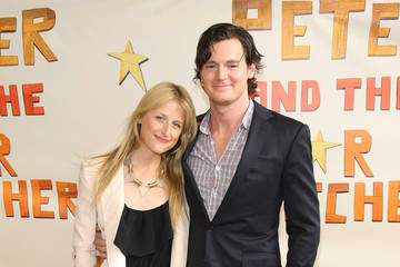 Mamie Gummer Benjamin Walker Opening Night Of Peter And The Starcatcher On Broadway - Arrivals And Curtain Call