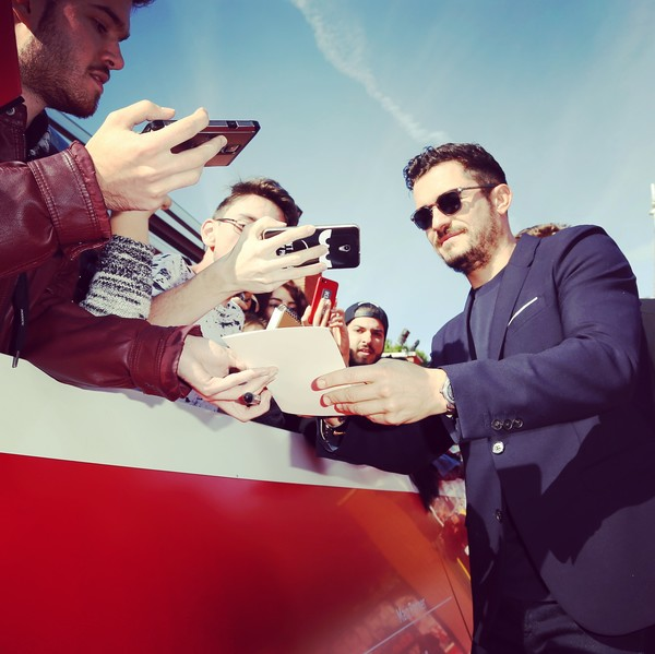 http://www1.pictures.zimbio.com/gi/Orlando+Bloom+Instant+Views+12th+Rome+Film+6id9Ao7bATIl.jpg