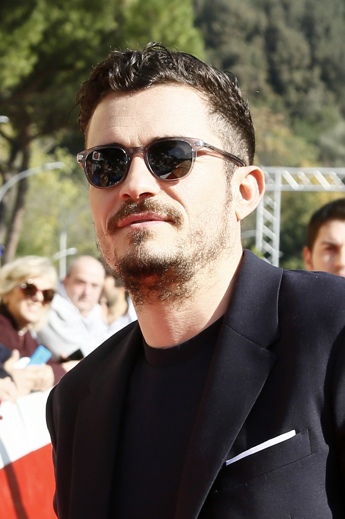http://www1.pictures.zimbio.com/gi/Orlando+Bloom+Romans+Red+Carpet+12th+Rome+kBv1rQfwlVCx.jpg