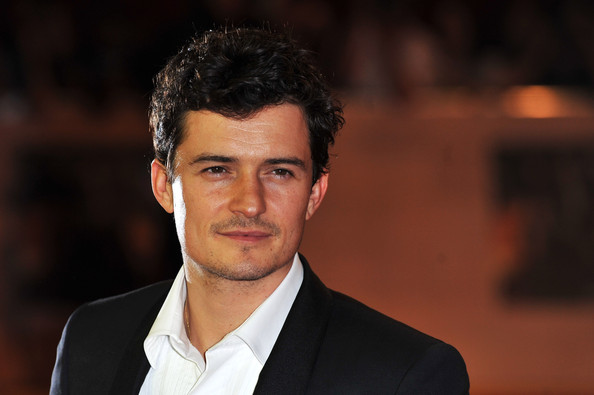 """Orlando Bloom Actor Orlando Bloom attends the world exclusive premiere of """"The Three Musketeers"""" in 3D at Vue Westfield on October 4, 2011 in London, England."""