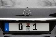 The licence plate of Germany's President is picured at the presidential Bellevue palace in Berlin ahead of the handover ceremony between the outgoing and the new President on March 19, 2017. .Former German Foreign Minister Frank-Walter Steinmeier succeeds to Germany's Joachim Gauck on MArch 19, 2017. / AFP PHOTO / Odd ANDERSEN