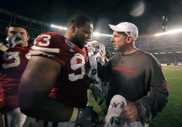Ndamukong Suh, Bo Pelini, and @FauxPelini chat up a storm on Twitter.