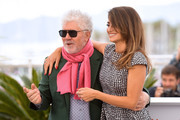 "Penelope Cruz and Director Pedro Almodovar attend the ""Pain And Glory (Dolor Y Gloria/ Douleur Et Glorie)"" photocall during the 72nd annual Cannes Film Festival on May 18, 2019 in Cannes, France."