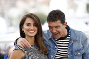 "Penelope Cruz and Antonio Banderas attend the ""Pain And Glory (Dolor Y Gloria/ Douleur Et Glorie)"" photocall during the 72nd annual Cannes Film Festival on May 18, 2019 in Cannes, France."