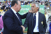 Parma FC coach Roberto Donadoni (R) shakes hands with SSC Napoli coach Rafael Benitez (L) before the Serie A match between Parma FC and SSC Napoli at Stadio Ennio Tardini on May 10, 2015 in Parma, Italy.