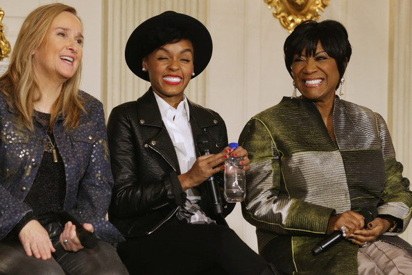 Michelle Obama Hosts Women in Soul Music Workshop [michelle obama hosts women in soul music workshop,michelle obama,music artists,patti labelle,janelle monae,melissa etheridge,students,l-r,audience questions,fashion,event,fashion design,workshop]