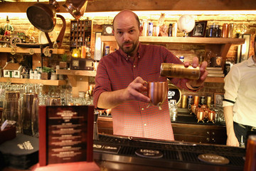 Paul Scheer Paul Scheer Bartends at The Dead Rabbit to Launch the New 1893 Flavors, Black Currant Cola and Citrus Cola