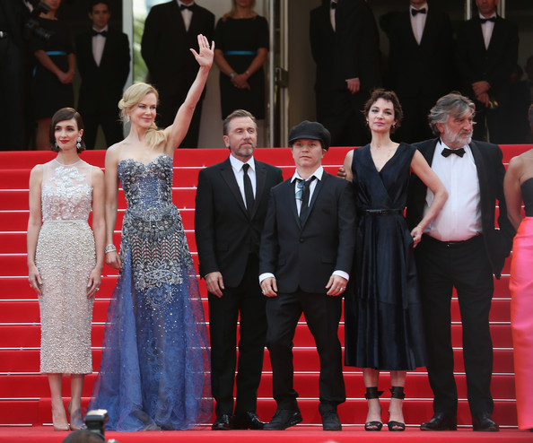 'Grace of Monaco' Premieres at Cannes [grace of monaco,red carpet,event,carpet,premiere,flooring,public event,performance,dress,formal wear,suit,olivier dahan,tim roth,actresses,paz vega,nicole kidman,l-r,cannes,premieres,opening ceremony]