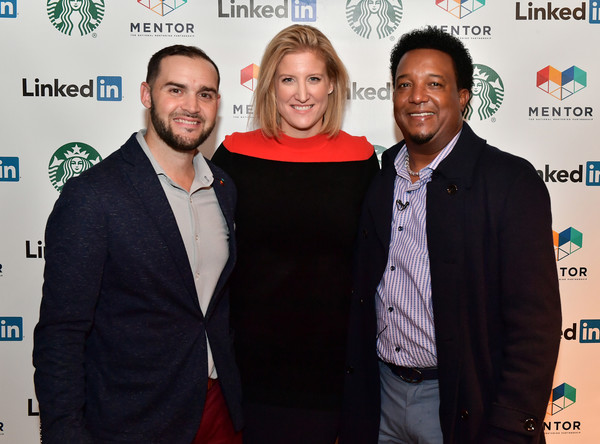 Pedro Martinez Joins LinkedIn, Starbucks & Mentor For Youth Mentoring Session