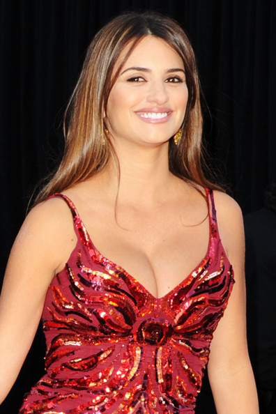 Penelope Cruz Hair, Long Hairstyle 2011, Hairstyle 2011, New Long Hairstyle 2011, Celebrity Long Hairstyles 2091