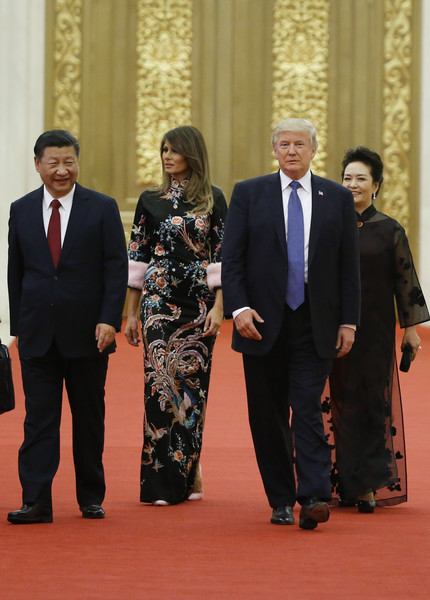 \Trump Visits China [donald trump,xi jinping,melania trump,peng liyuan,r,suit,event,formal wear,tuxedo,businessperson,government,management,carpet,gesture,china,us,beijing,state dinner,talks]