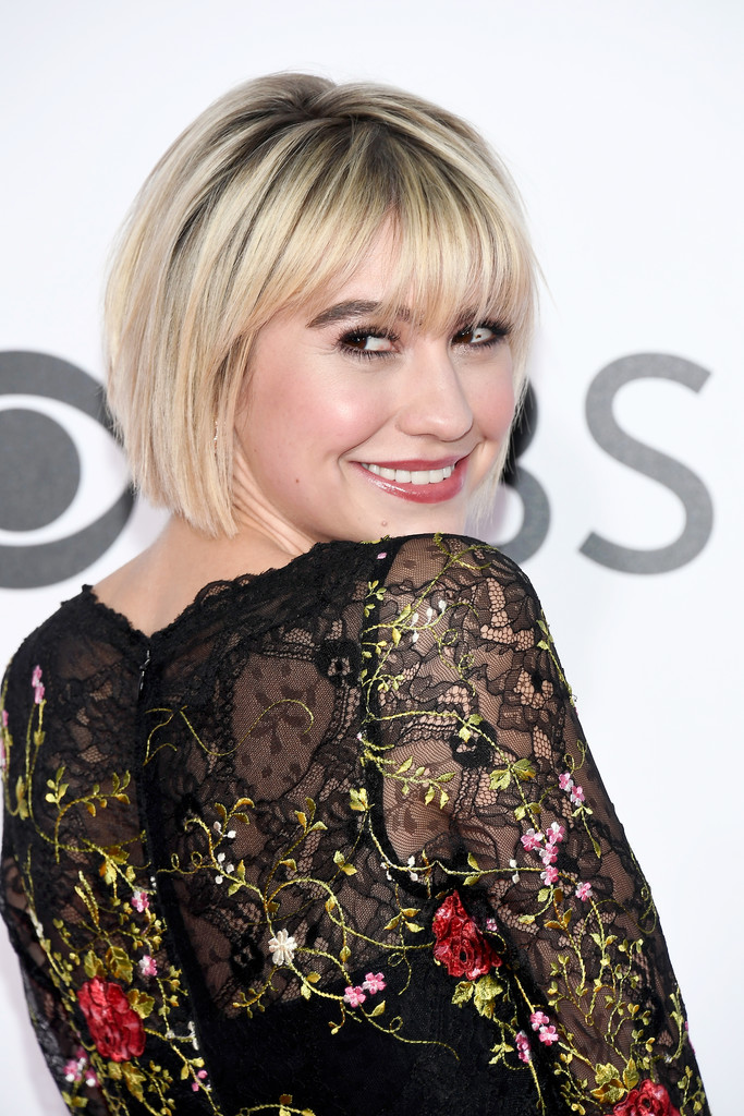 Chelsea Kane Photos Photos - People's Choice Awards 2017 ...