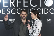 Spanish actor Eduardo Noriega and actress Dafne Fernandez attend 'Perfectos Desconocidos' photocall at the Hesperia Hotel on November 28, 2017 in Madrid, Spain.