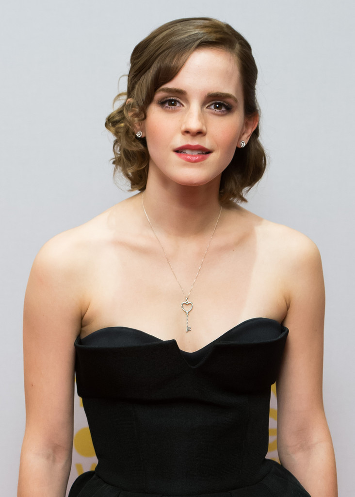 emma watson dating wiki Emma watson in the music video for say you don't want it emma watson never dated george craig, the lead singer of the band one night only, contrary to.