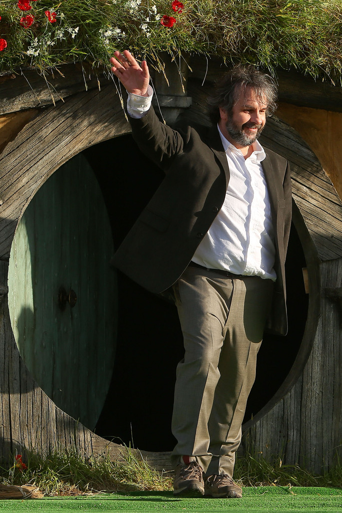 http://www1.pictures.zimbio.com/gi/Peter+Jackson+Hobbit+Unexpected+Journey+World+ABMPPrOy2z3x.jpg