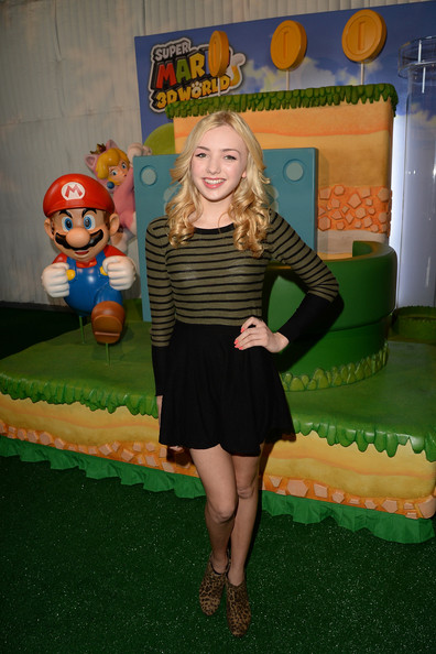 Peyton List - Super Mario 3D World Happy Holi-Games Spectacular