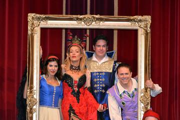 Phil Holden Snow White And The Seven Dwarfs - Photocall