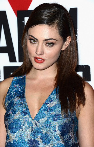 Phoebe Tonkin Photos Photos Premiere Of Summit