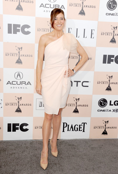 Actress Kate Walsh wearing Piaget arrives at the 2011 Film Independent Spirit Awards at Santa Monica Beach on February 26, 2011 in Santa Monica, California.