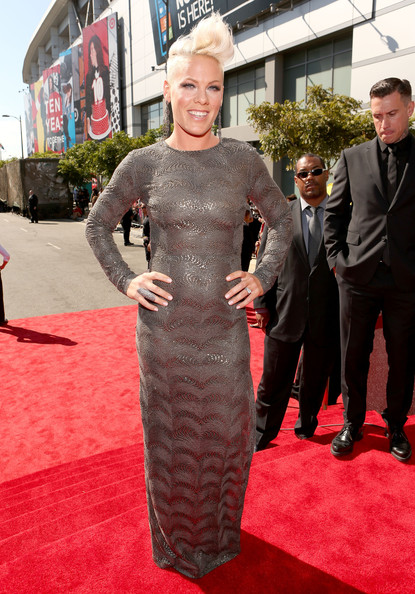 Pink Photos Photos 2012 Mtv Video Music Awards Red