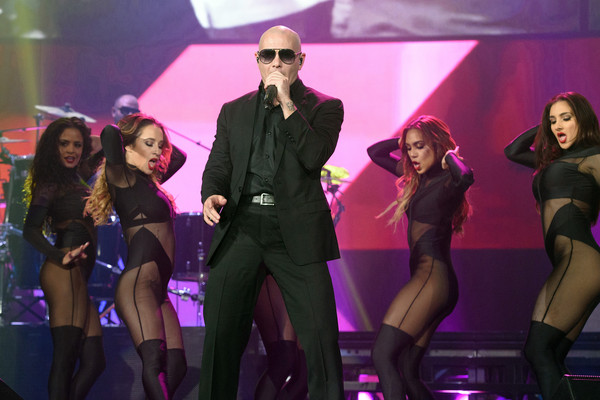 Enrique Iglesias & Pitbull In Concert - Rosemont, Illinois
