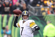 Ben Roethlisberger #7 of the Pittsburgh Steelers drops back to throw a pass during the first quarter of the game against the Cincinnati Bengals at Paul Brown Stadium on October 14, 2018 in Cincinnati, Ohio.