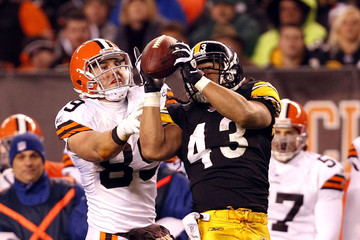 Evan Moore Pittsburgh Steelers v Cleveland Browns