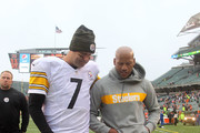 Quarterback Ben Roethlisberger #7 and Ryan Shazier #50 of the Pittsburgh Steelers walk off of the field after defeating the Cincinnati Bengals 28-21 at Paul Brown Stadium on October 14, 2018 in Cincinnati, Ohio.