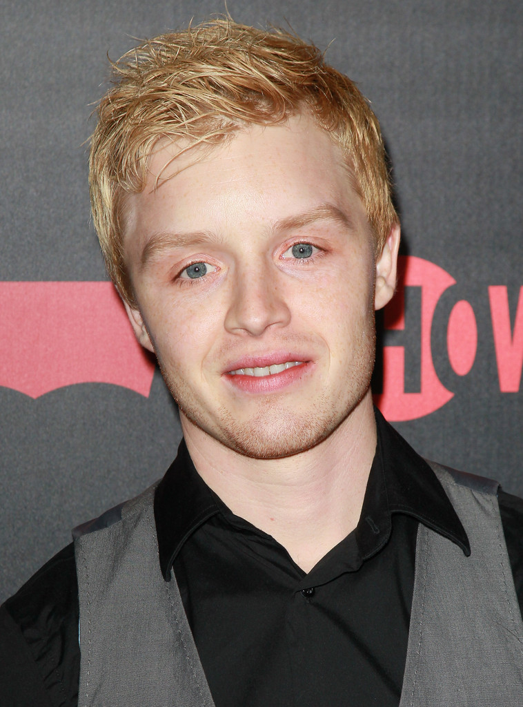 noel fisher hair color