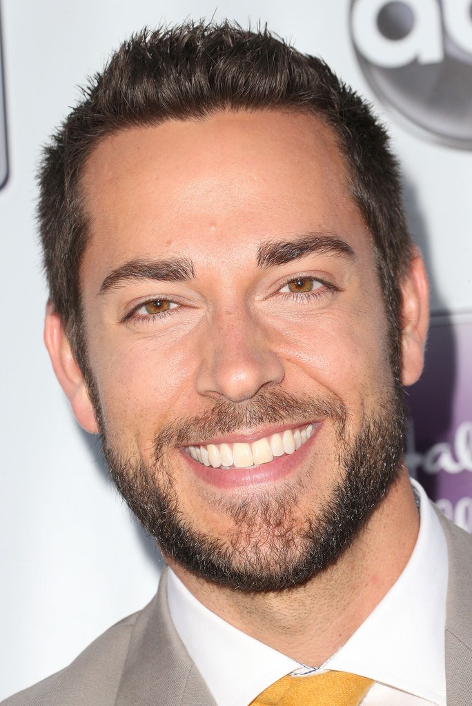 zachary levi photos remembering sunday premieres in