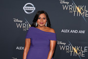 "Mindy Kaling attends the premiere of Disney's ""A Wrinkle In Time"" at the El Capitan Theatre on February 26, 2018 in Los Angeles, California."