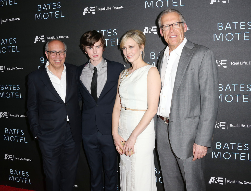 Freddie highmore and vera farmiga photos photos red for Freddie highmore movies and tv shows