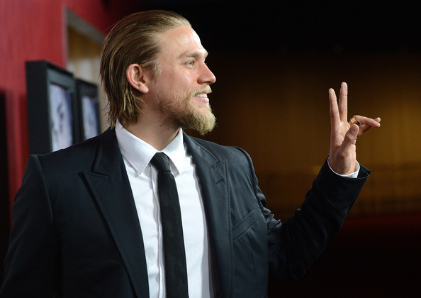 Swell Charlie Hunnam In Premiere Of Magnolia Pictures Deadfall Red Hairstyles For Women Draintrainus
