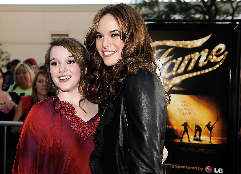 danielle panabaker kay panabaker photos photos premiere