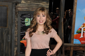 Jennette McCurdy Just Cinches It