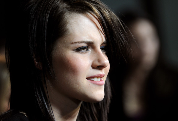 Actress Kristen Stewart attends the premiere of Samuel Goldwyn Films'