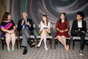 (L-R)  YoungArts Alumna and evenings moderator Zuzanna Szadkowski and Actor Alan Alda with YoungArts Winners Nadia Alexander, Analisa Gutierrez and Justice Smith attend the Premiere Screening Of The HBO Special Alan Alda: YoungArts MasterClass With Discussion By Alda And YoungArts Alumni on September 5, 2014 in New York City.
